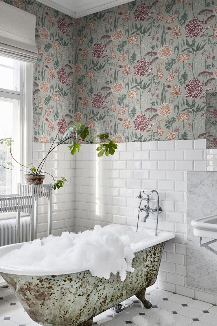 Kollekciya Stilnyh Klassicheskih Oboev L Hotel Ot Sandberg Foto Idei Dizajn Bathroom Wallpaper Bathroom Design Traditional Bathroom
