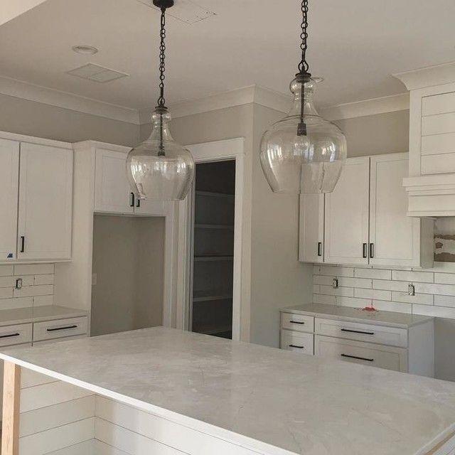 Pin By Blaize Wilson On Kitchen Ideas In 2020 Kitchen Decor Trends White Kitchen Remodeling Kitchen Island Lighting Pendant