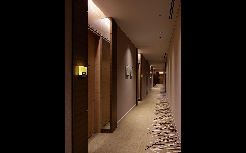 Hyatt guestroom corridor google search hotel hallway for Hotel corridor decor