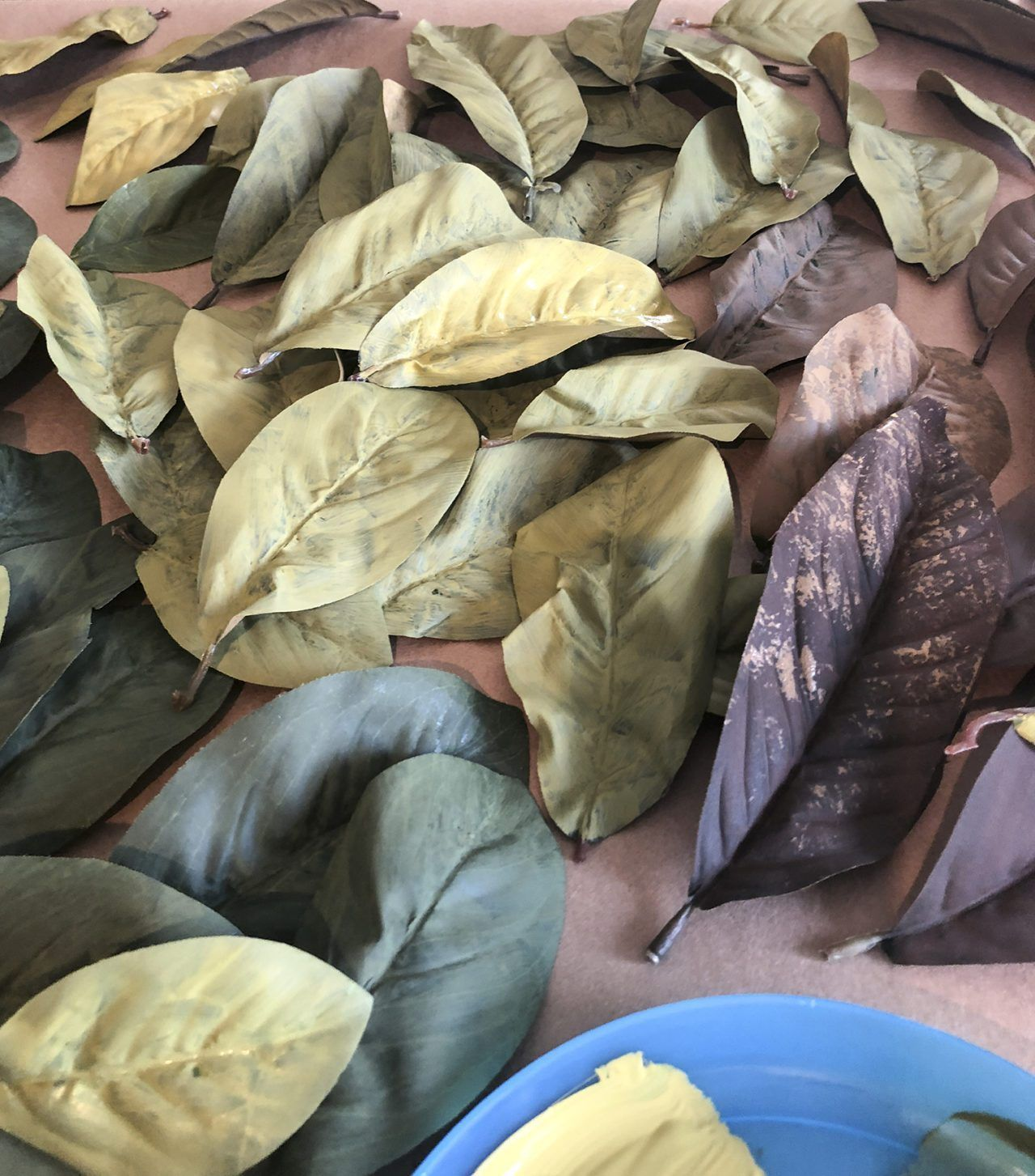 How to Make a Magnolia Leaf Wreath on the Cheap