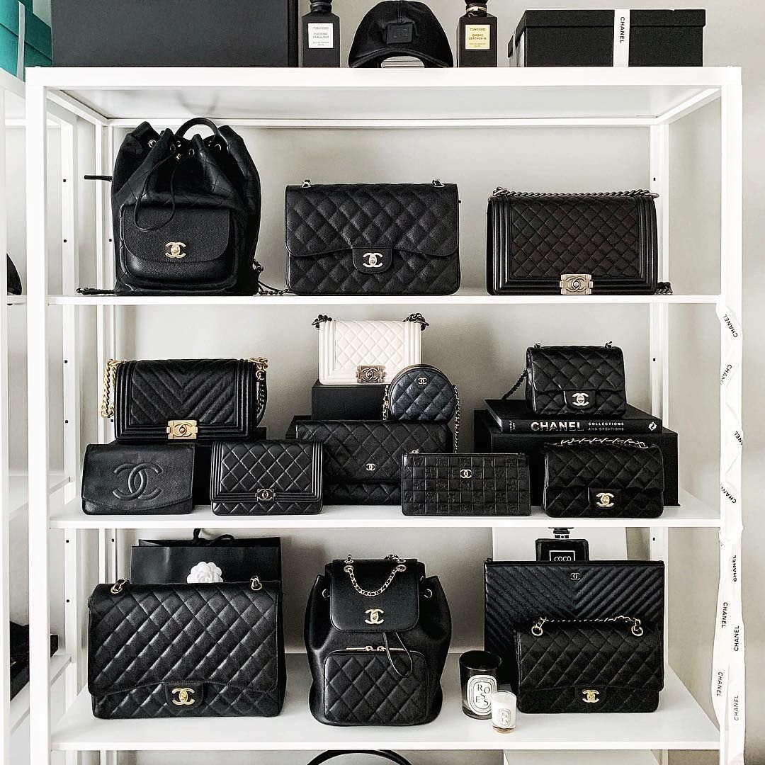 Chanel Classic Bag Schranke Ich Liebe Diesen Schrank Immer Dte Bag Chanel Classic Schranke Sou 2020 Goruntuler Ile Chanel Cantalar Canta Dolabi Moda Cantalar
