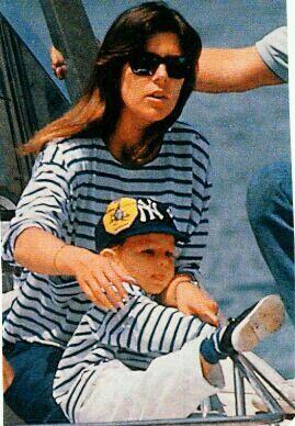 La princesa Carolina de Monaco luciendo una camiseta igual que la de su hijo