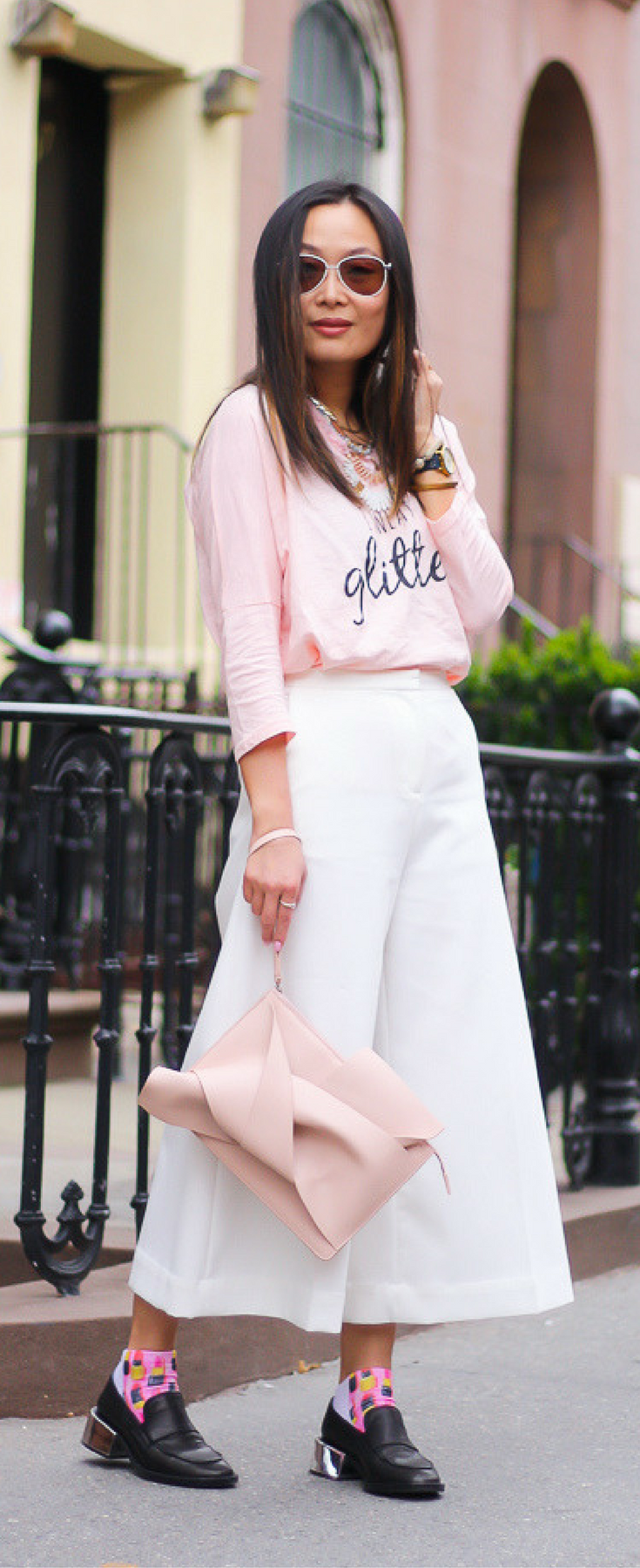 74d568c7b48a White culottes outfit, pink and white outfit ideas, no.21 knot clutch,  Layers of Chic style blogger outfit. See the post on www.layersofchic.com