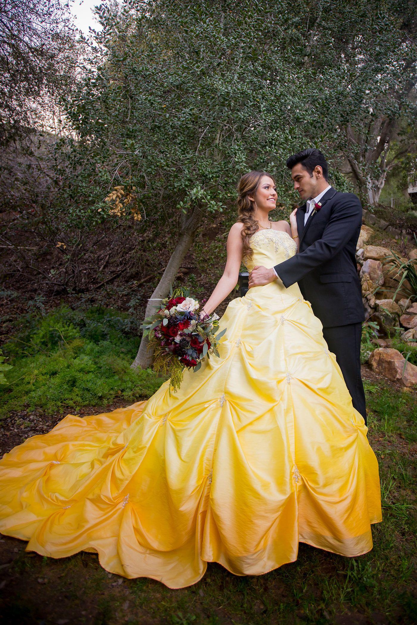 Vestidos de novia bella y bestia