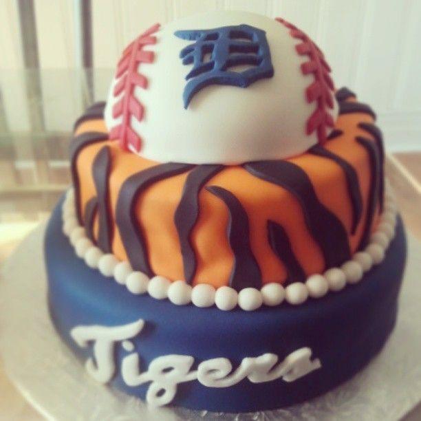 Detroit Tigers Birthday Cake made by Kenndras Kakes Windsor Ontario