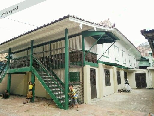Rumah bari, one of two model of Palembang traditional house.