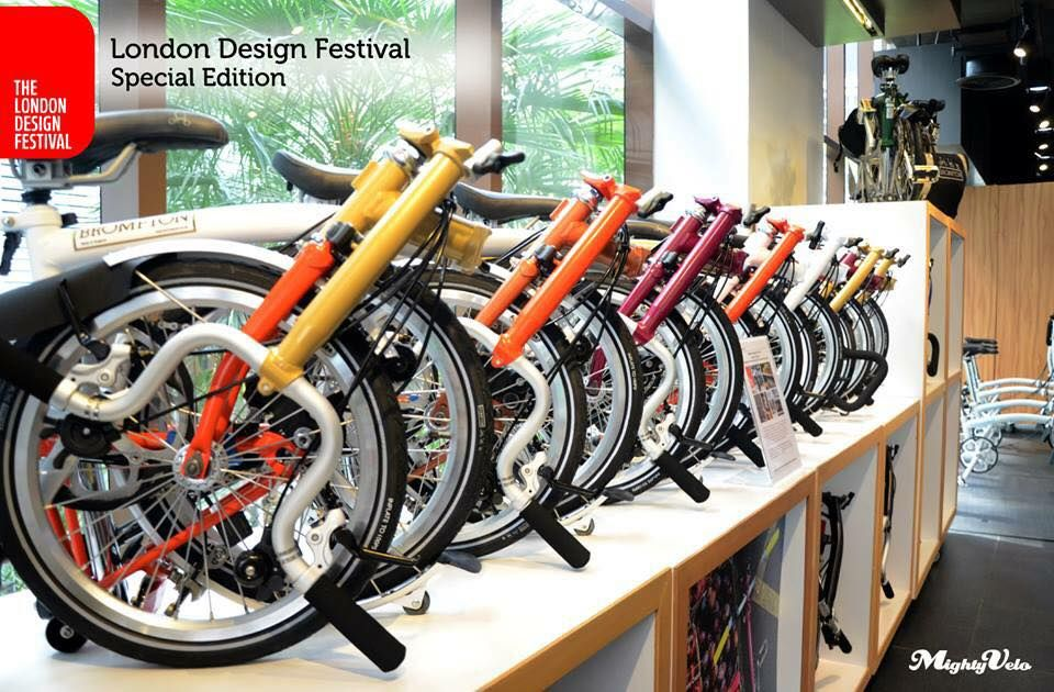 Check out the special colours of the recent London Design Festival Edition Bikes. Where new colours were especially made for the event and are not available elsewhere in SEA except at Brompton Junction Thailand! Only two left at store. If your friends in BKK want to own a one of a kind B, come over to Brompton Junction Thailand soon! #bromptonjunctionthailand #brompton