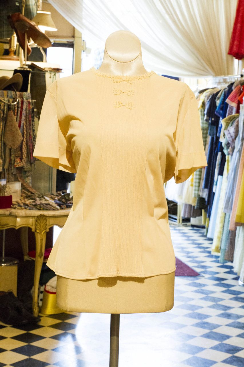 Cabaret Vintage - Vintage Cream Ladies Blouse, $58.00 (http://www.cabaretvintage.com/dresses/vintage-blouses/vintage-cream-ladies-blouse/)  #vintageblouse #blouse #blouses  #vintage #dressvintage #shopping #vintagestore #vintagefashion #ilovevintage #vintagelove #vintagegirl #vintageshopping #vintageclothing #vintagefinds #vintagelover #vintagelook #followme #skirtoftheday #ootd #shopitrightnow #instastyle #torontovintage #toronto #queenwest #cabaretvintage