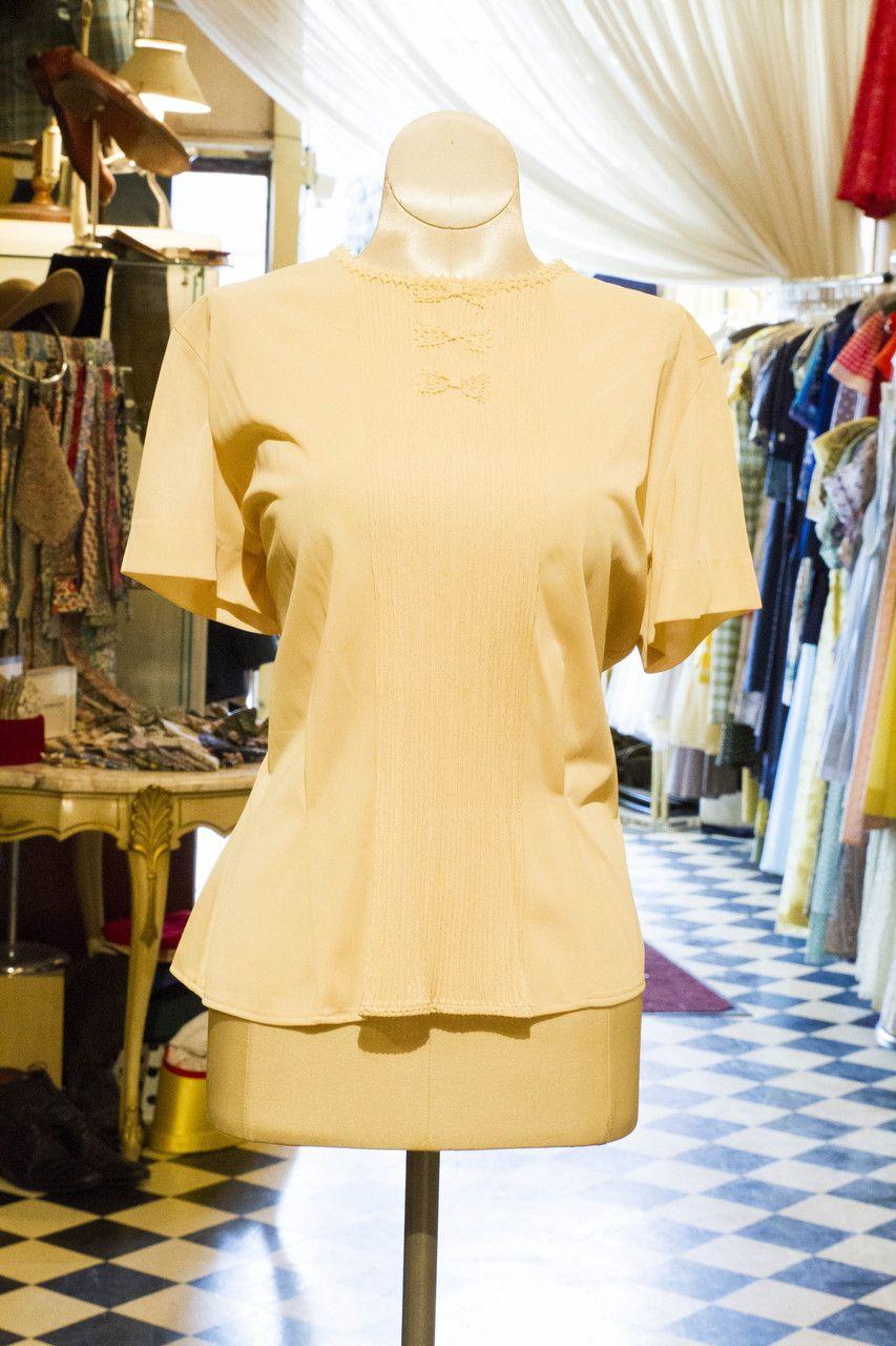 Cabaret Vintage - Vintage Cream Ladies Blouse, $58.00 (http://www.cabaretvintage.com/dresses/vintage-blouses/vintage-cream-ladies-blouse/)  #vintageblouse #blouse #blouses  #vintage #dressvintage #shopping #vintagestore #vintagefashion #ilovevintage #vintagelove #vintagegirl #vintageshopping #vintageclothing #vintagefinds #vintagelover #vintagelook #followme #skirtoftheday #ootd #shopitrightnow #instastyle #torontovintage #toronto #queenwest #cabaretvintage