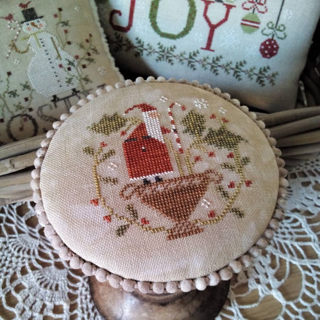 Andrea On Instagram Stitched And Fully Finished Merry Holly Berries By With Th Cross Stitch Patterns Christmas Christmas Cross Stitch Cross Stitch Finishing