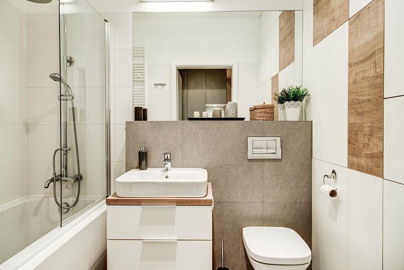 Aranżacja łazienki Z Wanno Prysznicem Która Jest Idealnym