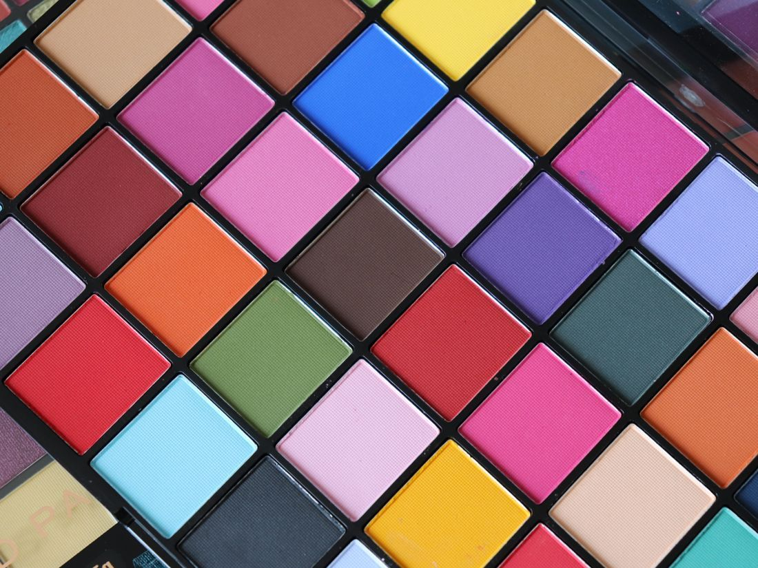Makeup Revolution Maxi Reloaded Eyeshadow Palettes Review