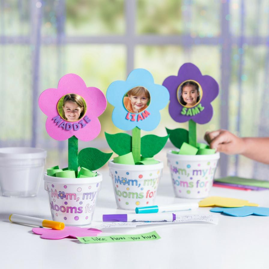 Color Your Own Mom Artist Flowerpots