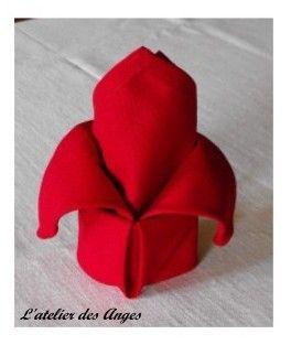 pliage serviette deco de table fleurs pinterest pliage le pliage et pliage serviette. Black Bedroom Furniture Sets. Home Design Ideas