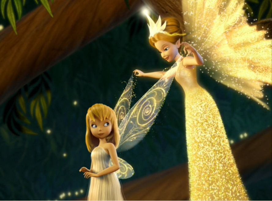 Queen Clarion showing Tinkerbell her wings for the first time