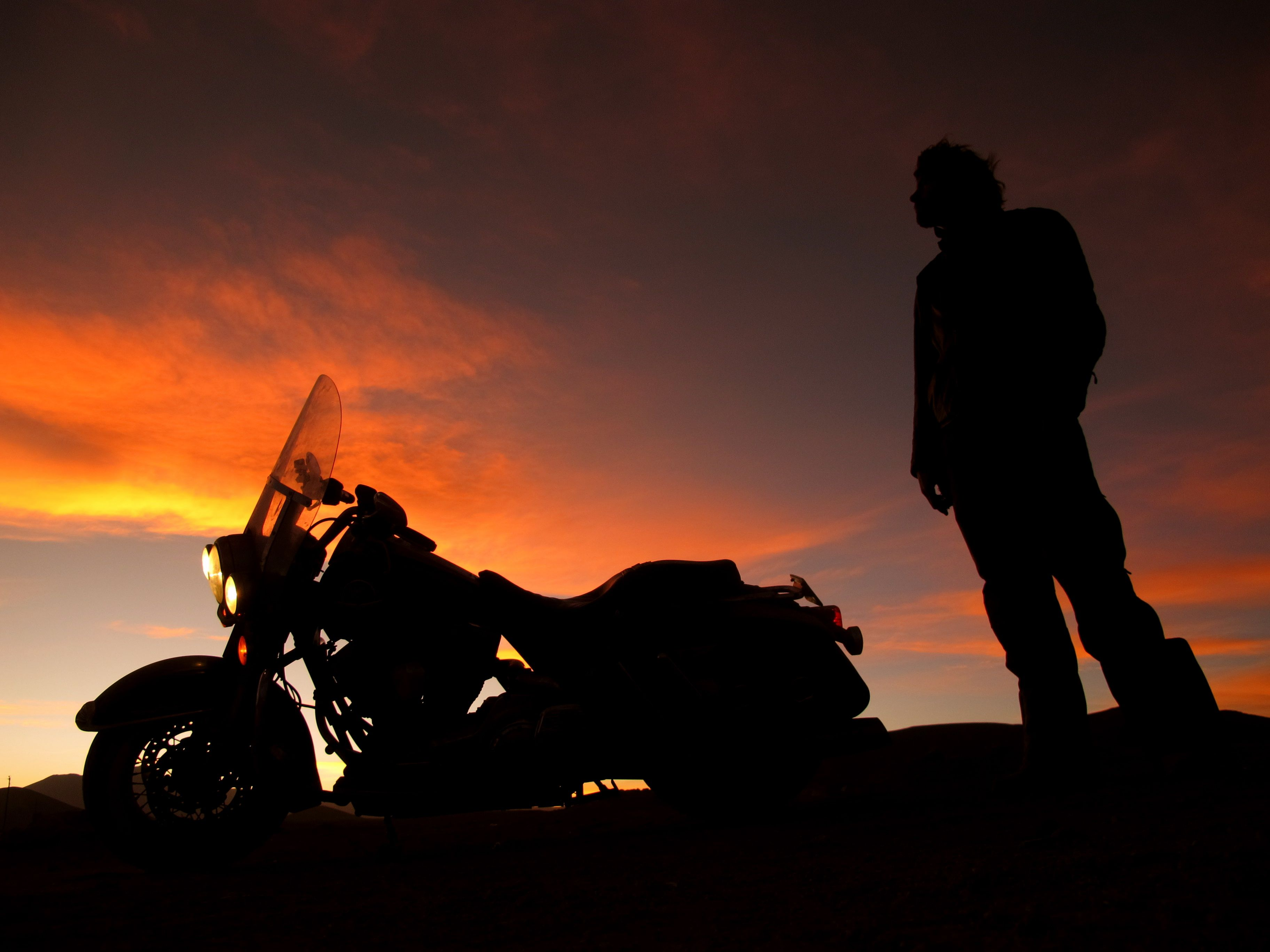 Motorcycle Ride Off Into The Sunset Google Search Riding