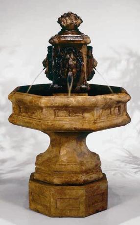 Classic Lion Garden Fountain