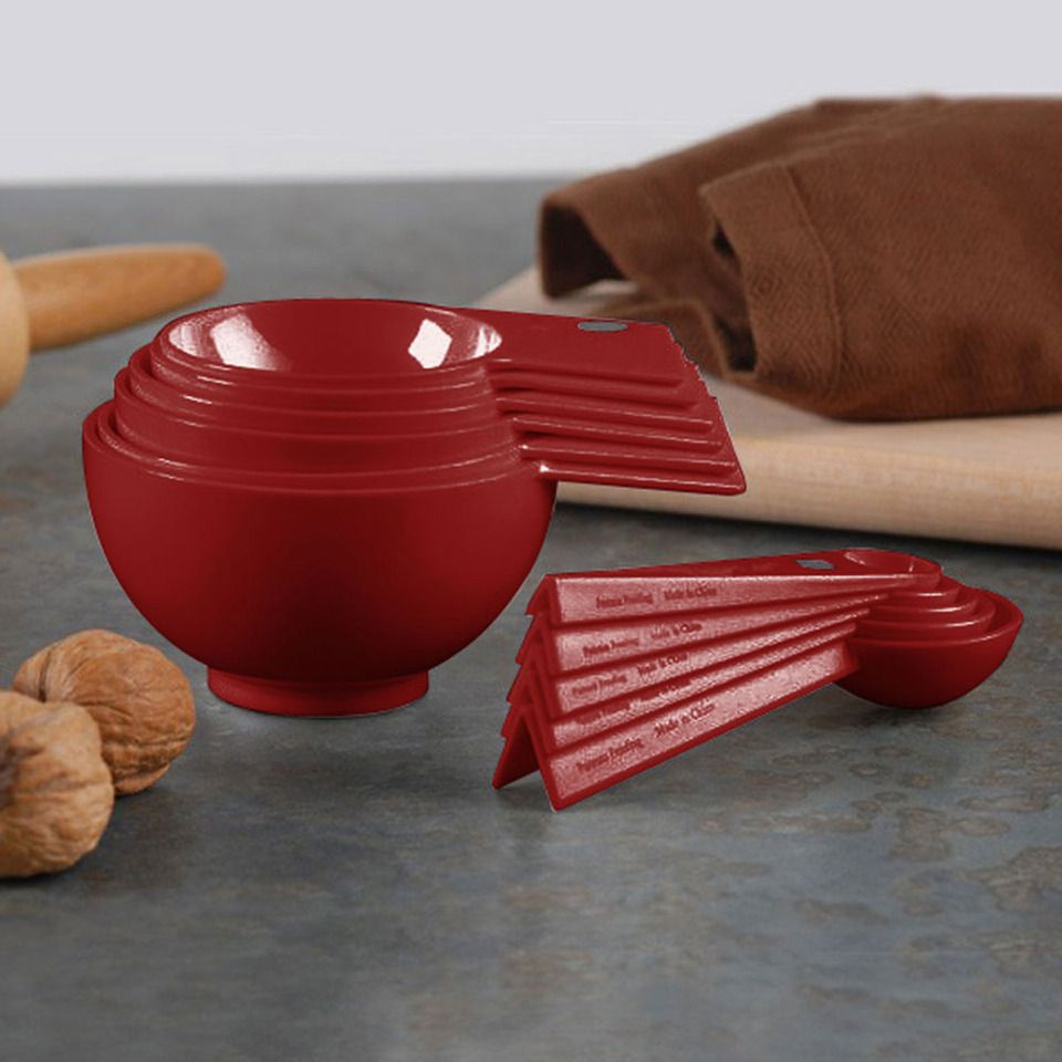 Debbie Meyer Magnetic Measuring Cups and Spoons In Berry - Beyond the Rack