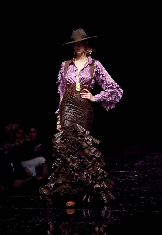 "Vicky Martin Berrocal ""Sueño Flamenco"" SIMOF 2011"
