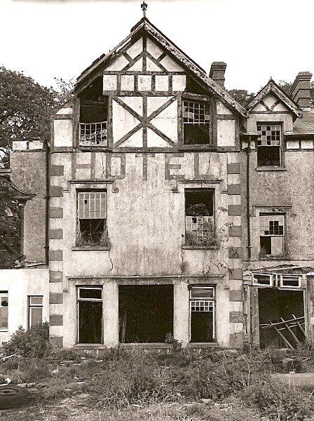 Gwdig Goodig Burry Port Carmarthenshire Built In 1701 As A Family Farm