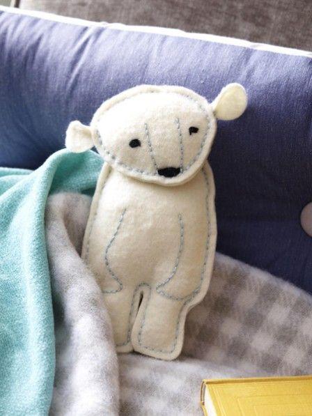 Anleitung mit Vorlage: Lars der Eisbär | Kerle, Anleitungen und Nähen