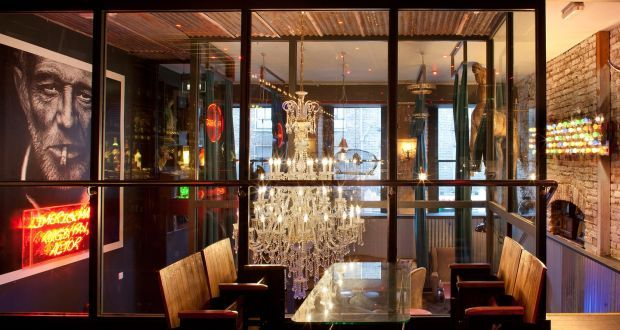 1000+ images about booths seating bar restaurant on Pinterest ...