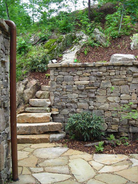 muro de contencin de piedra muros de contencin escalones de piedra muros de piedra esgrima pasarelas la roca jardn