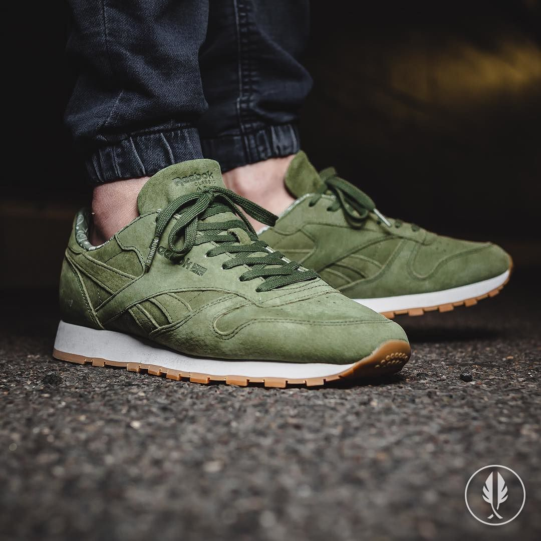 Reebok Classic Leather Tdc Olive Us 8 5 12 0 89 95 Now Live Afewstore Reebokclassicgermany R Sneakers Men Reebok Classic Green Trending Sneakers