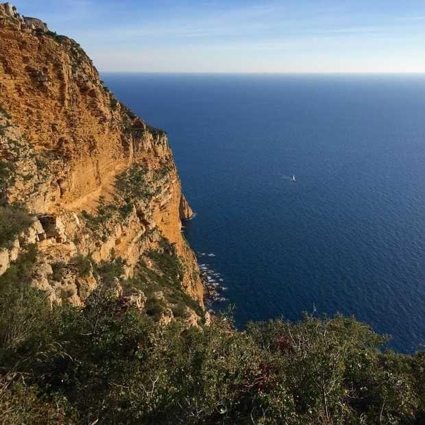 De mooiste calanques van Frankrijk vind je tussen Marseille en Cassis. Dit zijn vijf redenen waarom je hier ooit een keer naartoe moet gaan!