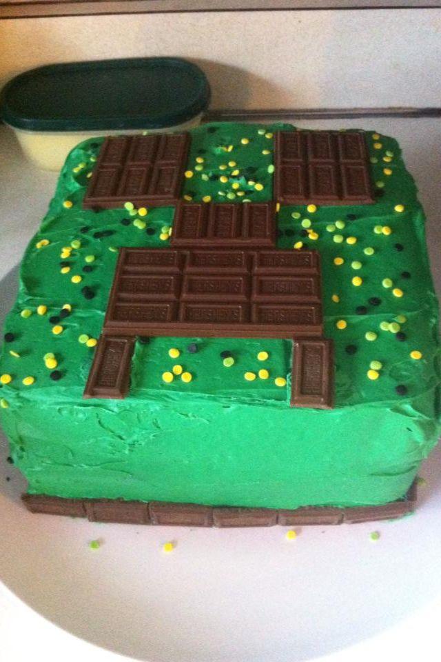 Pin By Theresa Loomis On Food Creeper Cake Minecraft Birthday Diy Minecraft Cake