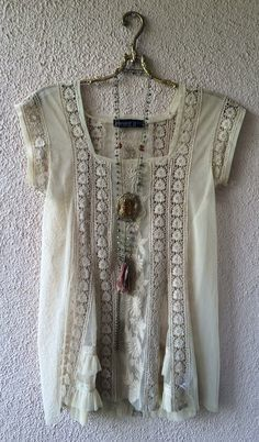 Image of Anthropologie nude lace sheer gypsy tunic with tulle kick pleats