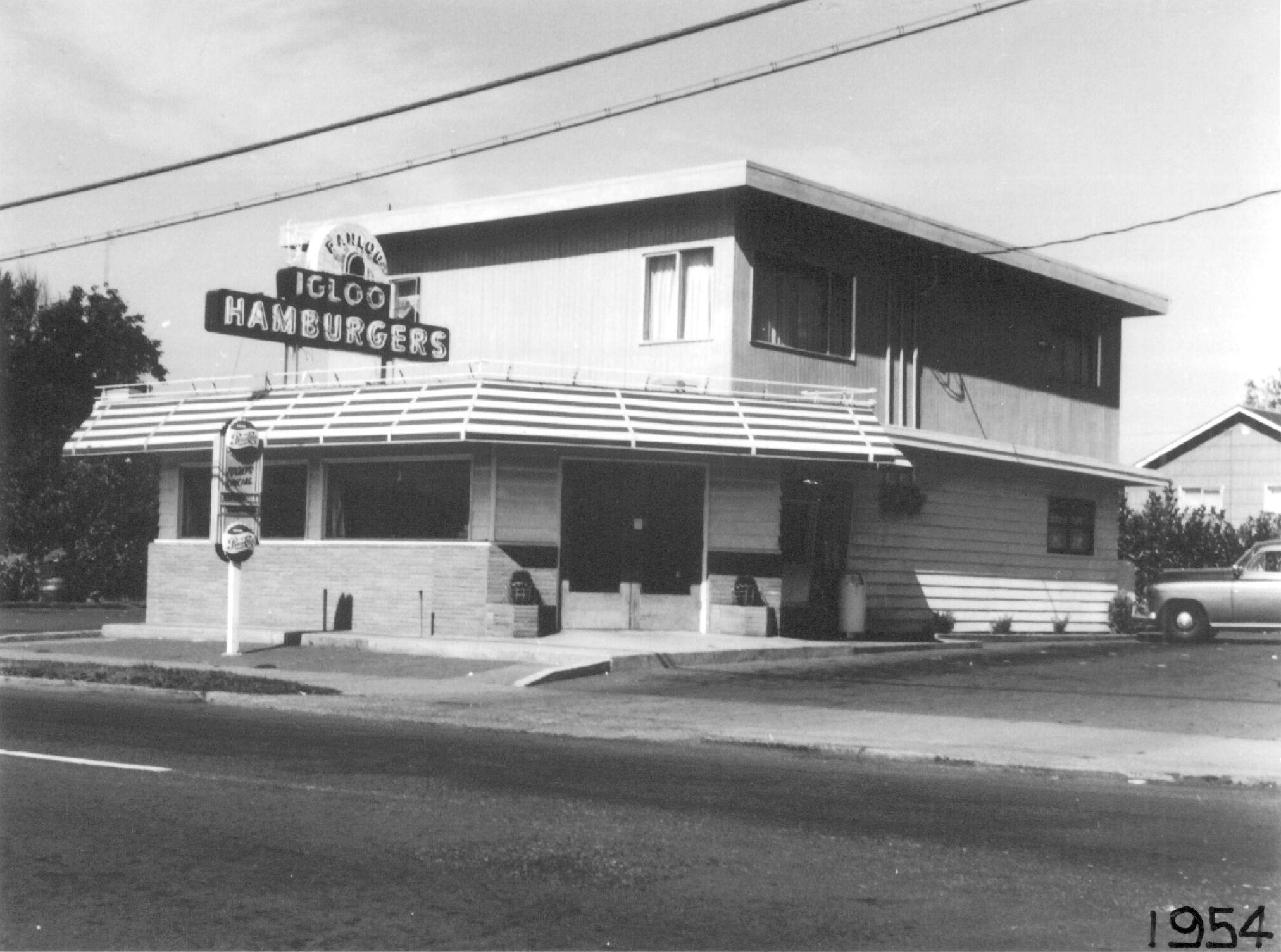 The Igloo Restaurant On East Evergreen Boulevard As It