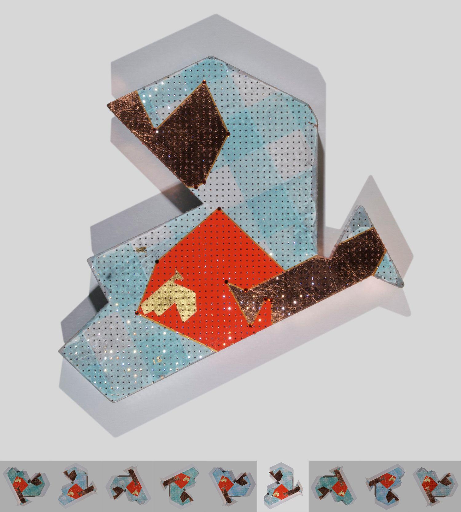 To gild the grey B. Cristales, pan de cobre, pan de oro, acrílico y papel de seda sobre cartón. 3,7 x 40 x 40 cm. 2010.