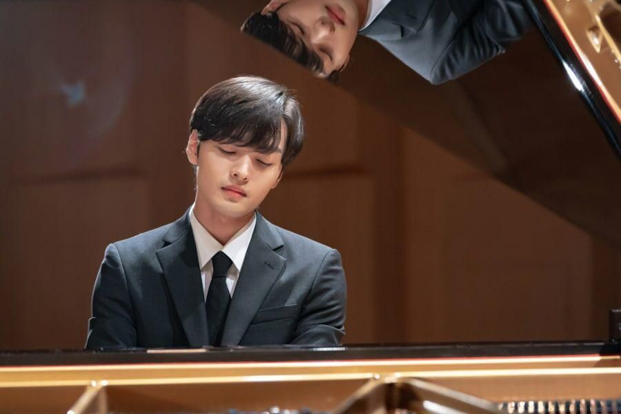 "Kim Min Jae Gives Heartfelt Piano Performance In ""Do You Like Brahms?"""