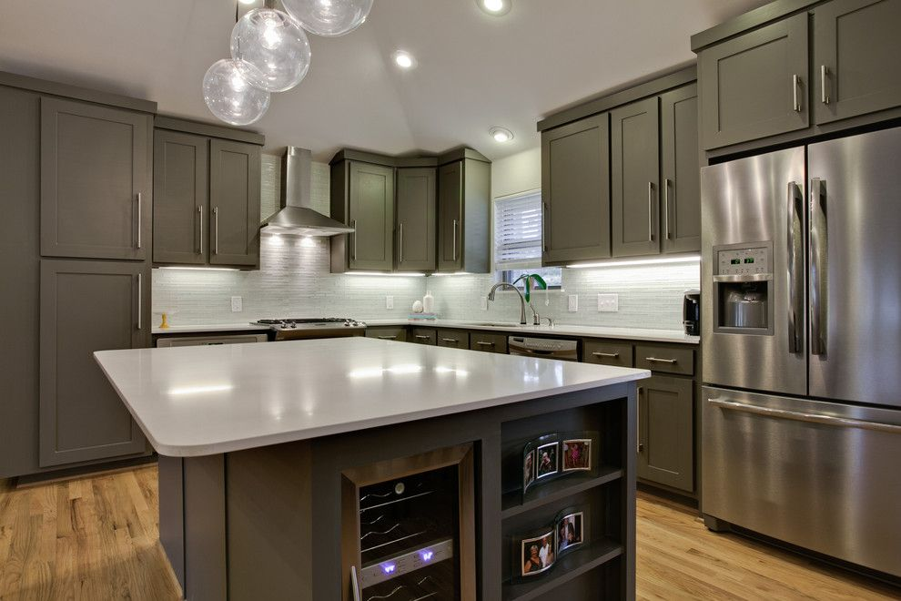Design ideas for a trendy l-shaped kitchen in Dallas with ...