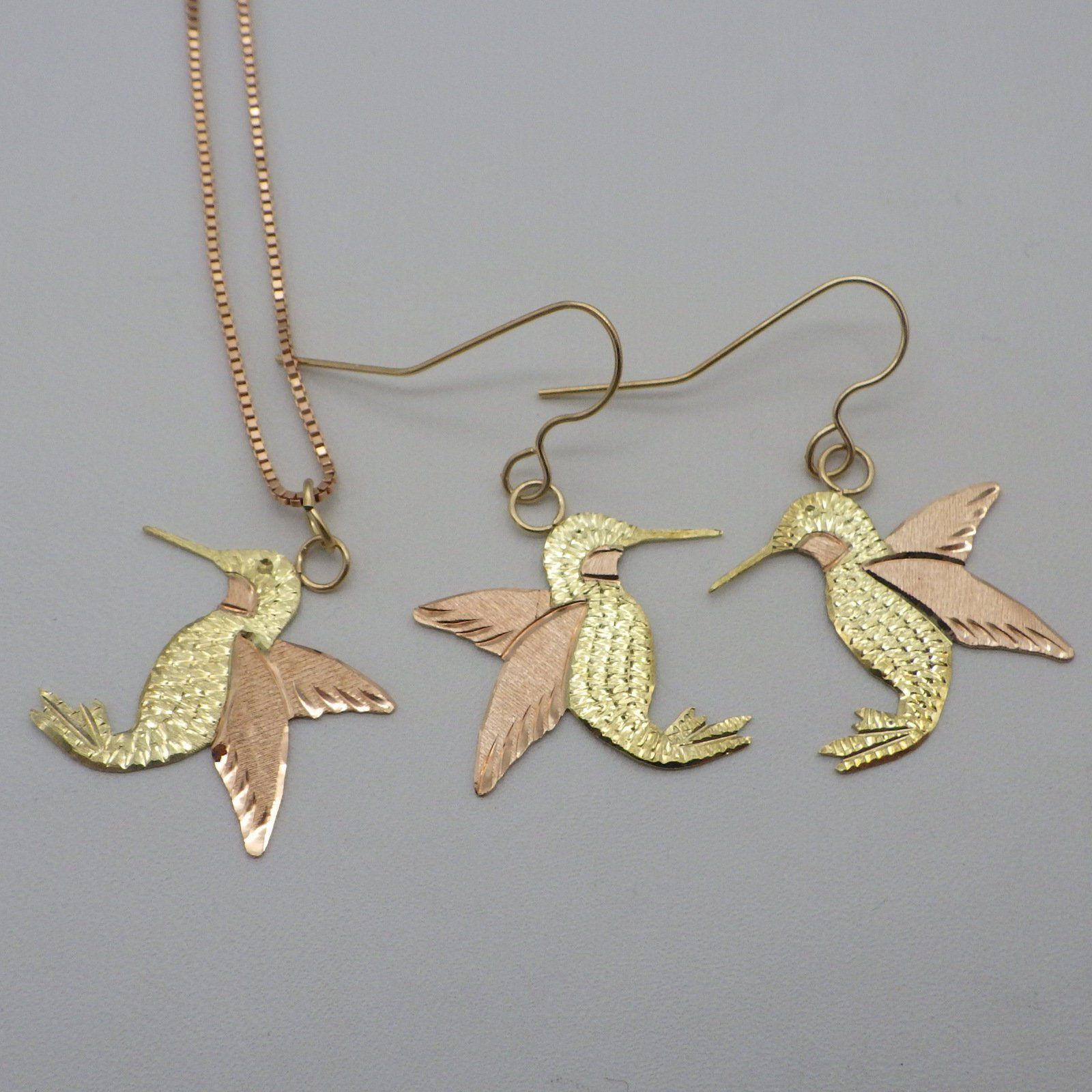 Vintage k black hills gold set hummingbird theme pierced