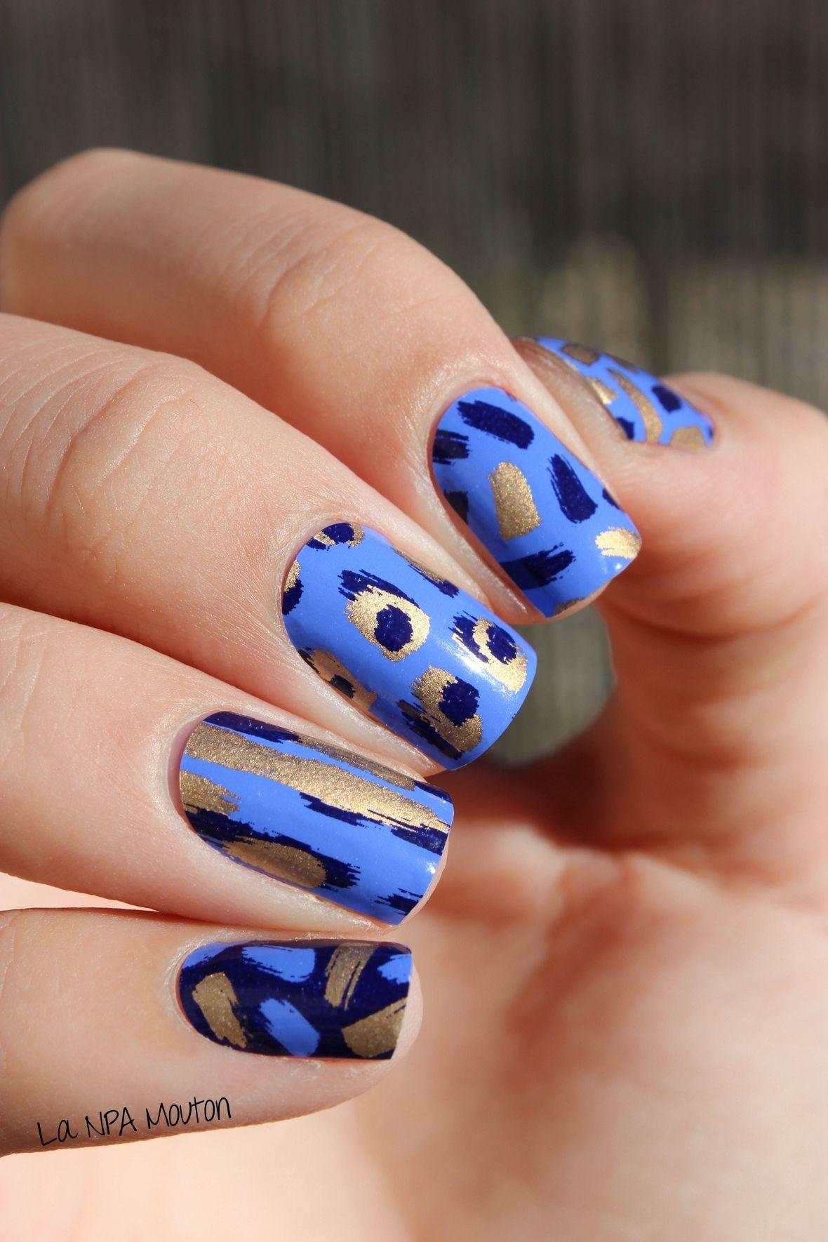 Abstract print nails with Alfa.K Nail Wraps | Nail Wraps | Nail ...