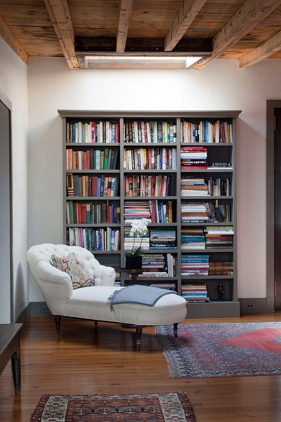 Small but lovely space  Home library rooms, Home library design