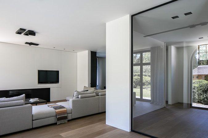 Minimalistisch interieur met eiken parket woonkamer pinterest