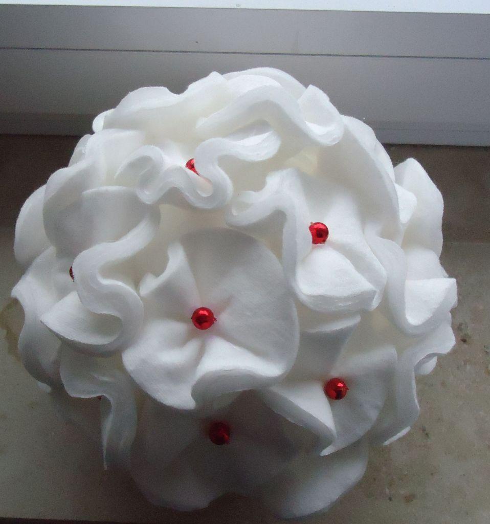 Cotton Pad Christmas Ball / Kugeln Basteln Aus Wattepads   DIY By Saga
