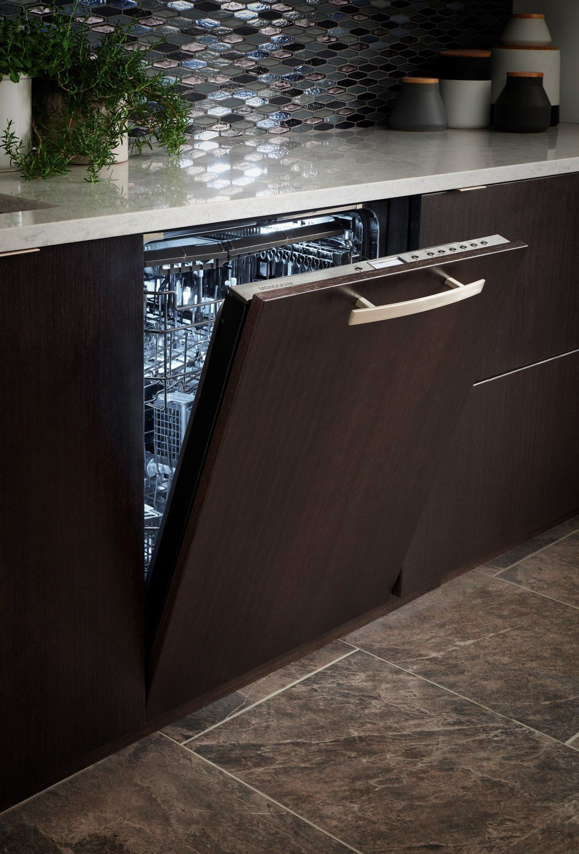 Monogram Panel Ready Dishwashers Blend Discreetly With The Rest Of Your Cabinetry For A Look Of Eleg Monogram Appliances Ge Monogram Appliances Hide Appliances