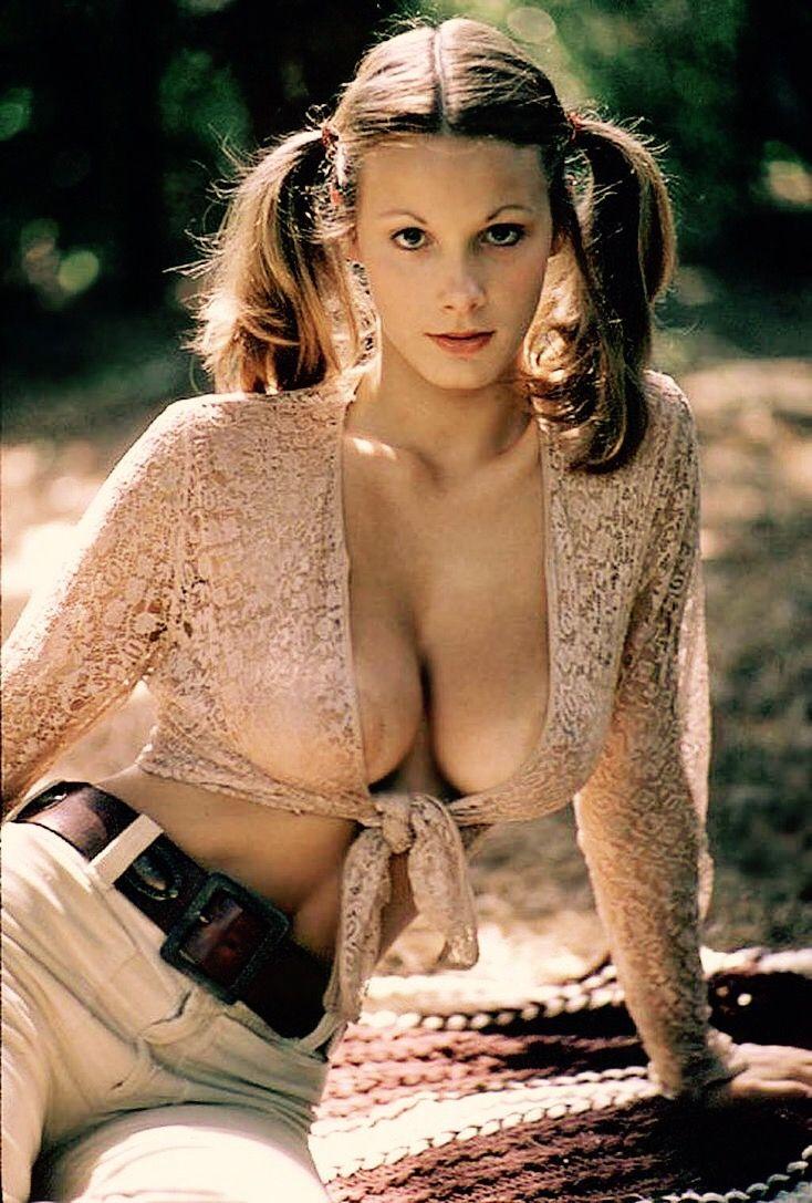 Boobs Emma Stern naked (81 photo), Tits, Is a cute, Twitter, bra 2006