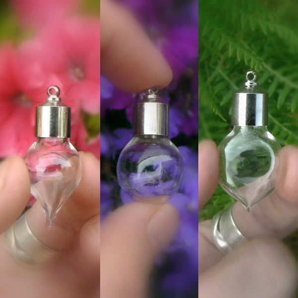 5 Vials Pendants LARGE HEART-shaped with stainless steel caps //glass//bottles 8mm