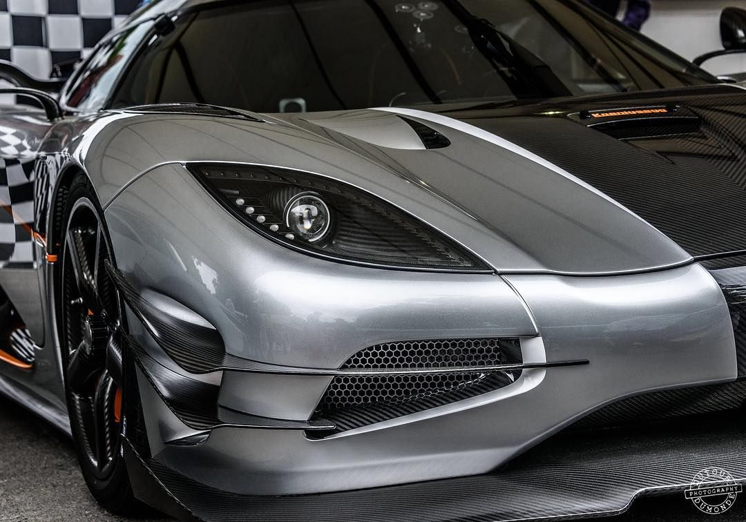 Koenigsegg One:1.  #koenigsegg #koenigseggone #koenigseggone1 #one #one1 #hypercar #hypercars #fos #festivalofspeed #carinstagram #cargramm #supercar #supercars #dutourdumonde #photog #photographer #photographie #automotive #carbon #carbonfiber #carbonfibre