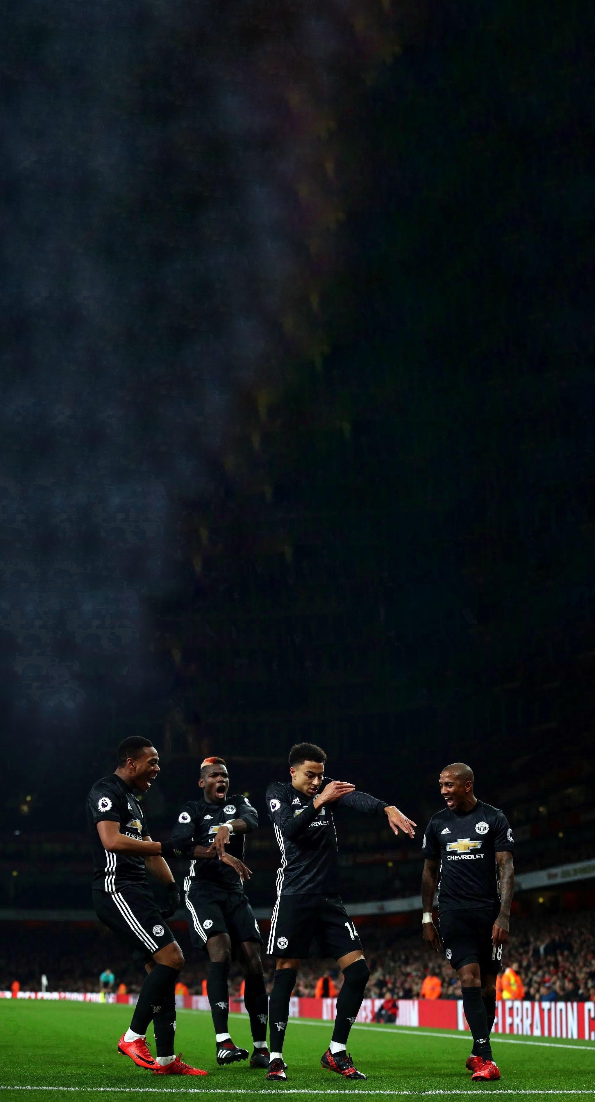 Pin By Vamuso Gaming On Manchester United Football Club Manchester United Wallpaper Manchester United Wallpapers Iphone Manchester United
