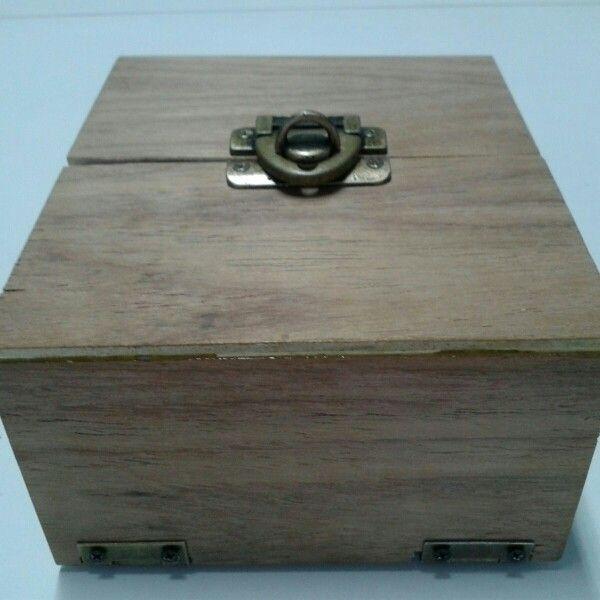 Caixa para jogo de cartas - construída pelo Caio Povinski