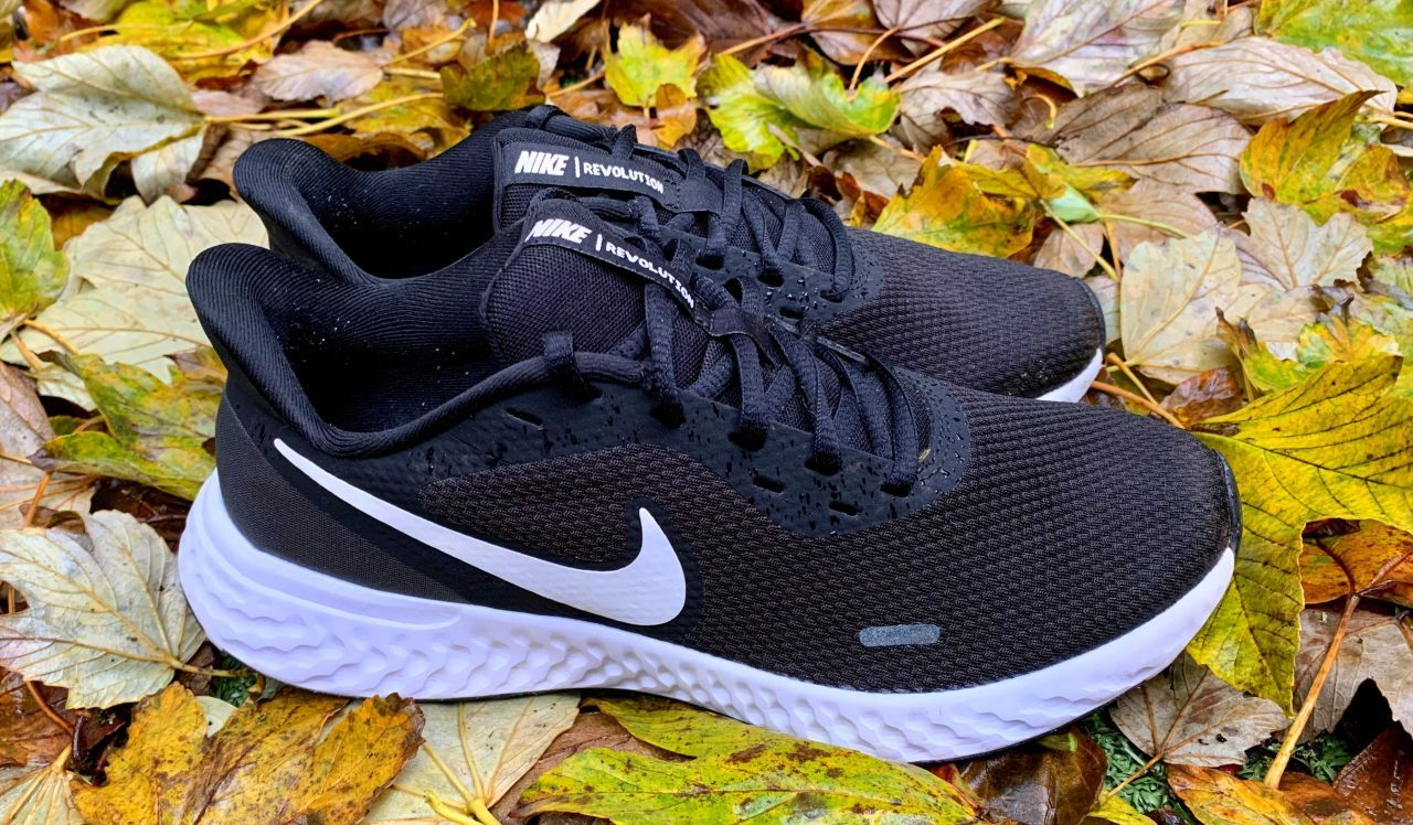 The Nike Revolution 5 is a good all round shoe that looks