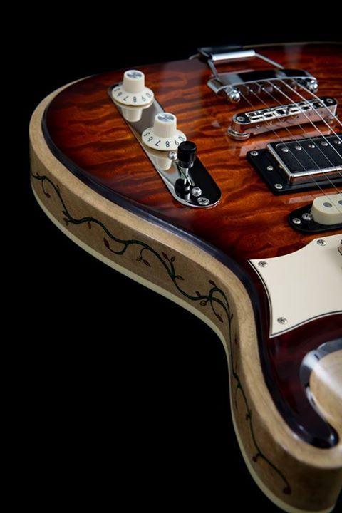 LaRose Guitars Hollowboy Quilt/Koa Curly Movenghi Neck