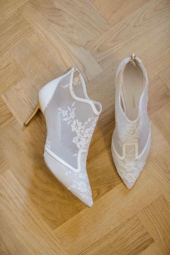 stylish lace wedding heels; photo: Catherine Meade Photography
