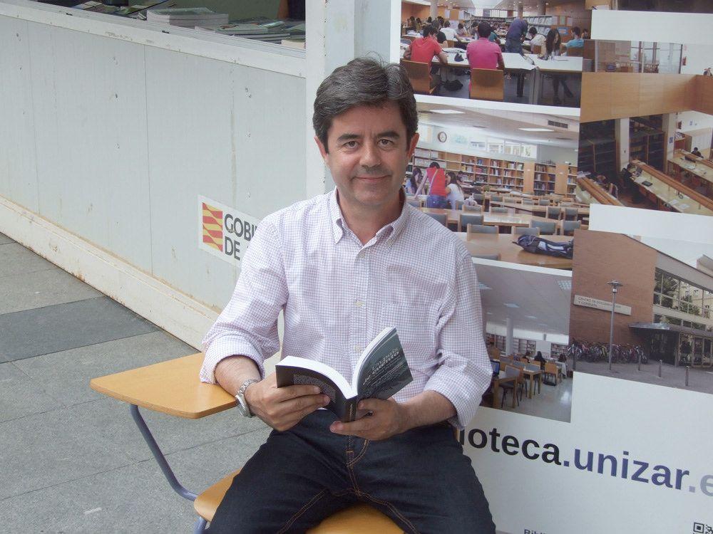 Feria del Libro de Huesca 2015   por Biblioteca de la Universidad de Zaragoza
